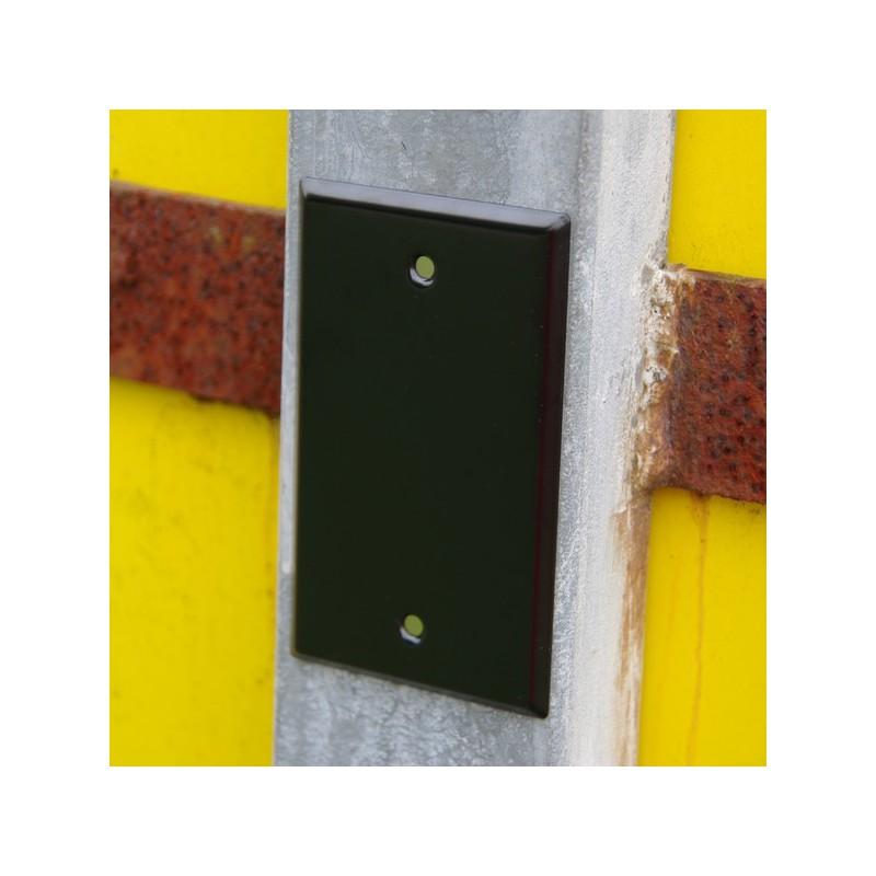 acheter l 39 article cache plaque aimant e noir sur votre boutique de g ocaching cache village. Black Bedroom Furniture Sets. Home Design Ideas