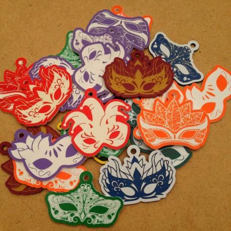 Breloques Carnaval - Lot de 5 masques (couleurs aléatoires)