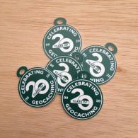 "Lot de 5 petites breloques - Souvenir ""Celebrating 20 Years of Geocaching"""